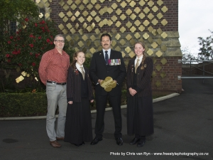 Mr B. Coutts, Rewa Kendall, Corporal Willie Apiata V.C., and Louise Piggin.